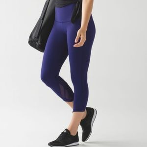 Lululemon Essential Rhythm Crop